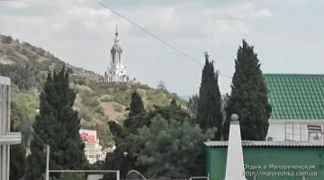 Вид на церковь Святого Николая в Малореченском