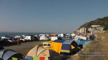 Палатки на берегу моря в Рыбачьем