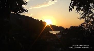 Раннее утро на берегу в Рыбачьем