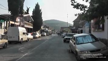 Главная улица в поселке Рыбачье