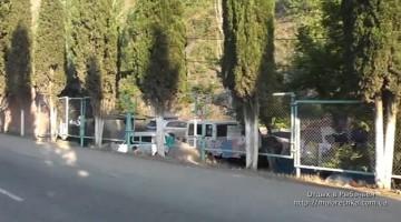 Стоянка машин в поселке Рыбачье