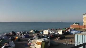 Раннее утро в палаточном городке Рыбачьего поселка