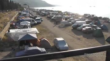 Палаточный городок на пляже в Рыбачьем
