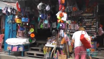 Магазины с сувенирами в Рыбачьем