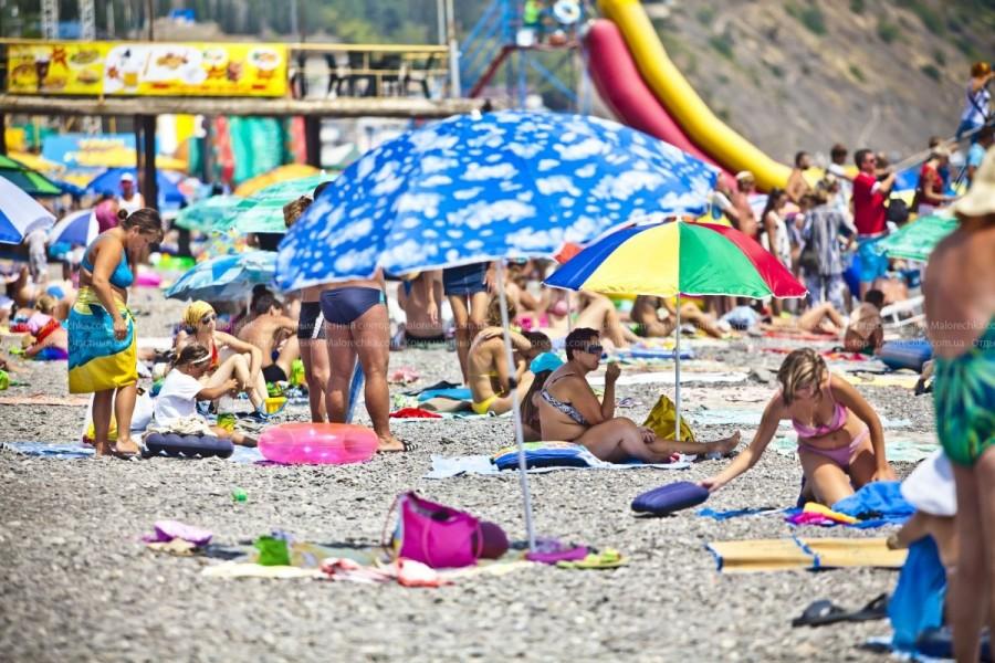 Беззаботный отдых на пляже Рыбачьего