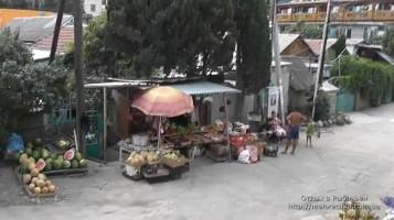 Многочисленные рынки в поселке Рыбачье