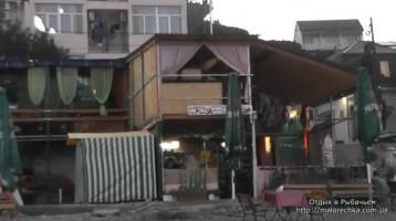 Бары и кафе открыты для ночного отдыха в Рыбачьем