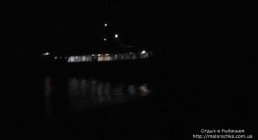 Морская прогулка в вечернее время в Рыбачьем
