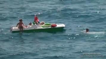 Отдых на катамаране в открытом море в Рыбачьем